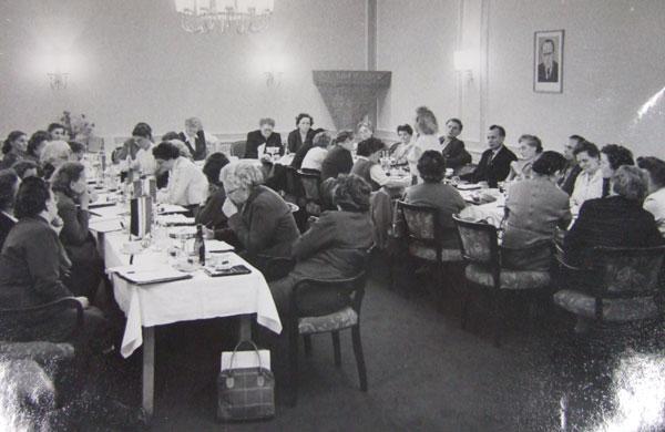 Erstes Treffen der nationalen Lagergemeinschaften Ravensbrück in Berlin 1956