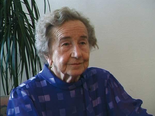 Antonia Bruha 1998. Videostill: Bernadette Dewald