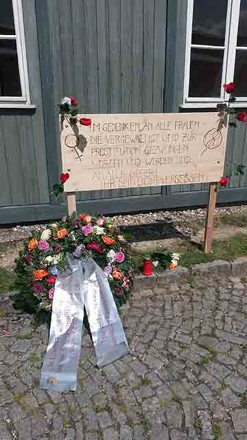 Frauengedenken in der Gedenkstätte Mauthausen