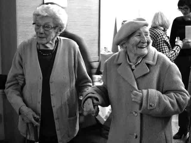 Ida Huttary mit Irma Trksak im Dezember 2013